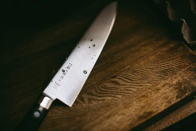 Comment choisir le bon acier pour couteau?